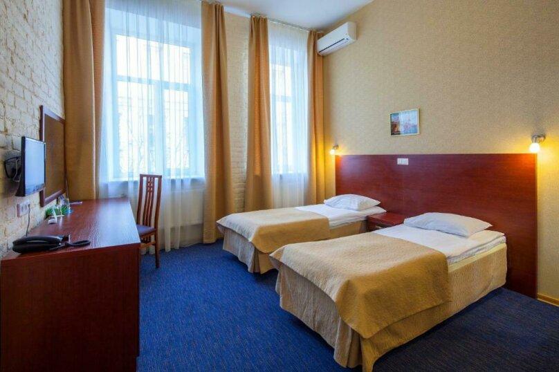 Стандартная комната с двумя кроватями , Большая Конюшенная улица, 25, Санкт-Петербург - Фотография 6