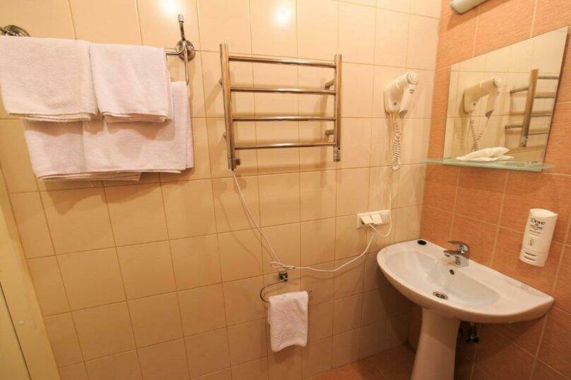 Стандартная комната с двумя кроватями , Большая Конюшенная улица, 25, Санкт-Петербург - Фотография 7