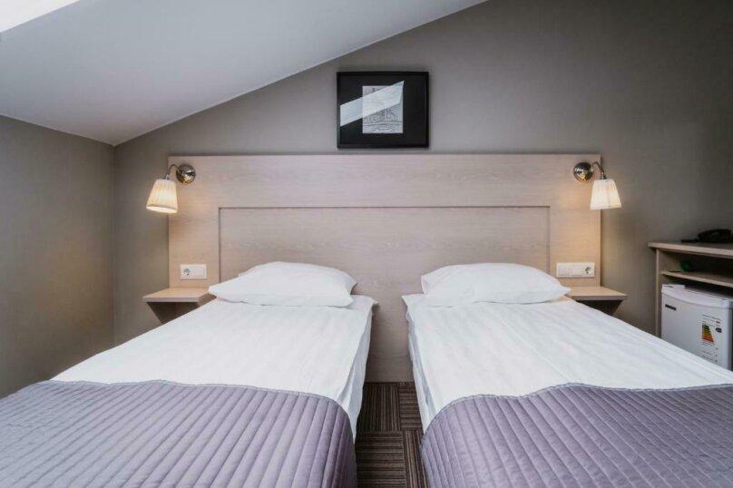 Стандартная комната с двумя кроватями , Большая Конюшенная улица, 25, Санкт-Петербург - Фотография 8