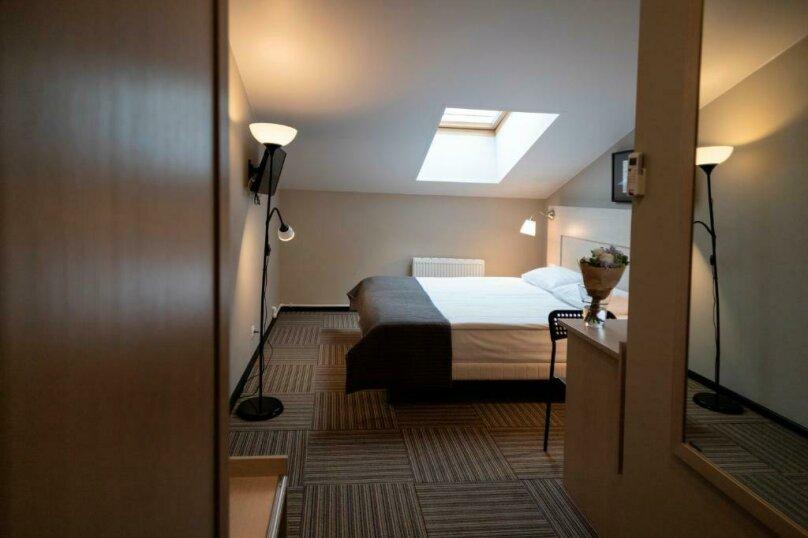 Стандартная комната с двумя кроватями , Большая Конюшенная улица, 25, Санкт-Петербург - Фотография 10