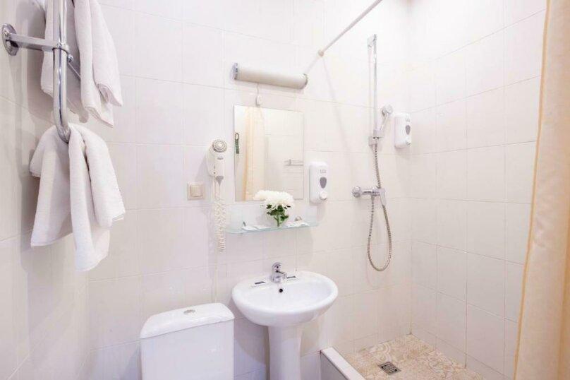 Стандартная комната с двумя кроватями , Большая Конюшенная улица, 25, Санкт-Петербург - Фотография 12