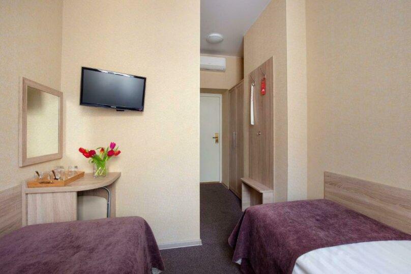 Стандартная комната с двумя кроватями, Большая Конюшенная улица, 10, Санкт-Петербург - Фотография 11