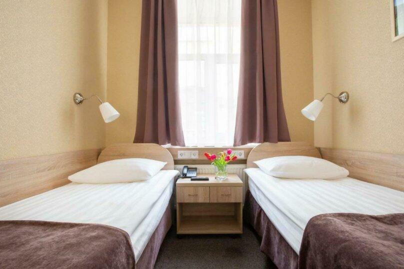 Стандартная комната с двумя кроватями, Большая Конюшенная улица, 10, Санкт-Петербург - Фотография 12