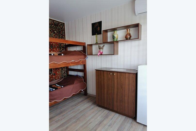 """Гостевой дом """"Островок"""", Алуштинская улица, 26А на 3 комнаты - Фотография 6"""