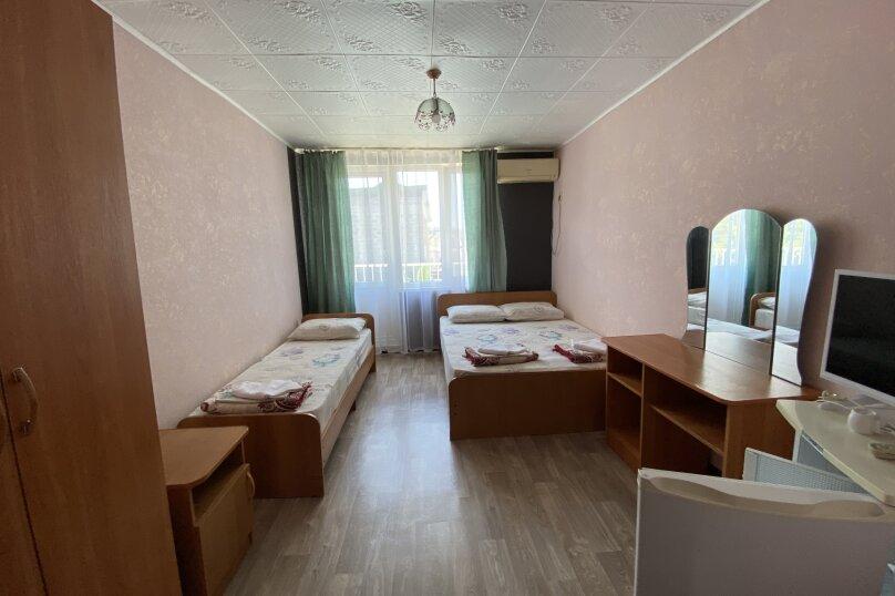 """Гостевой дом """"Карат"""", улица Просвещения, 130А на 14 комнат - Фотография 11"""