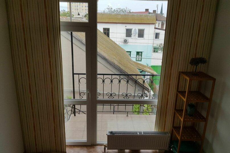 """Гостевой дом """"На ул. 8 Марта"""", улица 8 Марта, 13к2 на 4 комнаты - Фотография 9"""