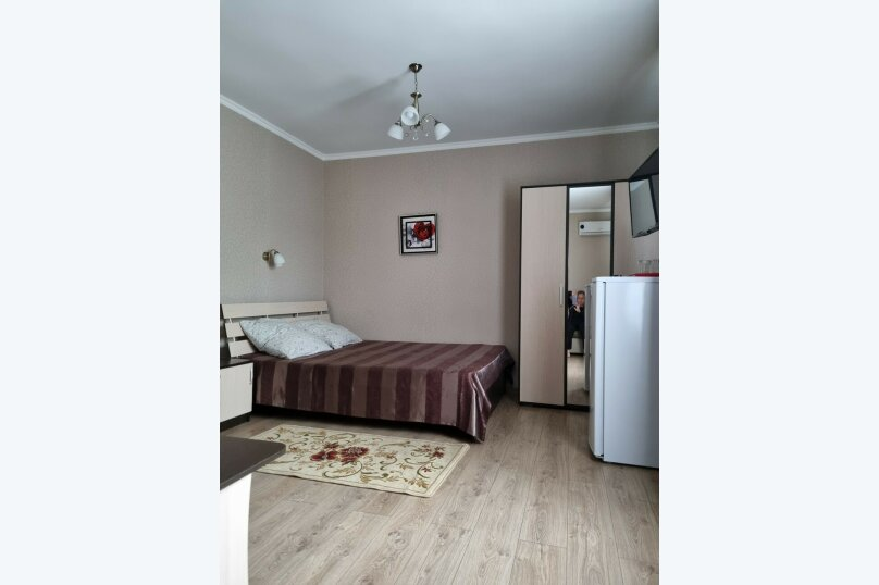 Трехместный номер улучшенный, улица Тургенева, 222, Анапа - Фотография 4