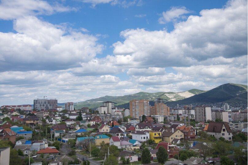 1-комн. квартира, 25 кв.м. на 2 человека, улица Черняховского, 21, Новороссийск - Фотография 1
