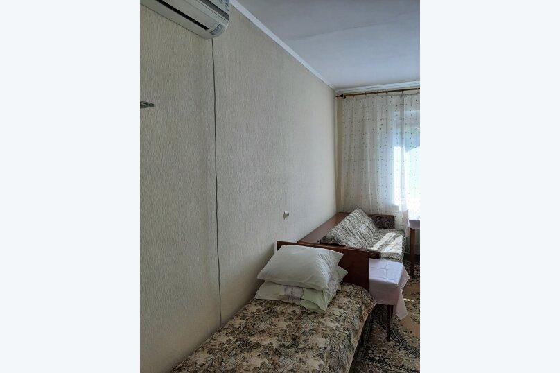 "Гостиница ""На Черноморье 109"", Черноморье, 109 на 4 комнаты - Фотография 17"