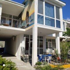 Апартаменты в новом коттедже, улица Ленина, 146 на 1 номер - Фотография 1