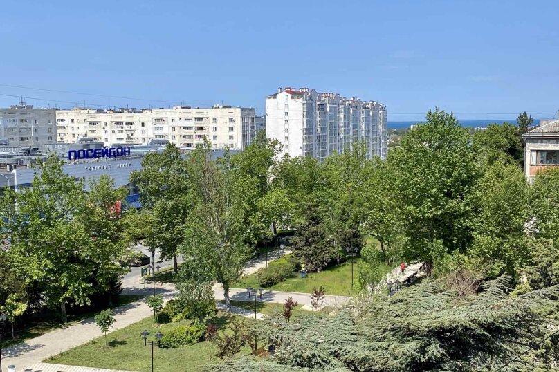 2-комн. квартира, 53 кв.м. на 4 человека, проспект Октябрьской Революции, 43, Севастополь - Фотография 2