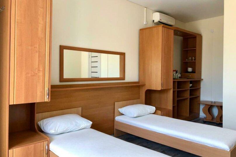 Отель Blue Sea, улица Анджиевского, 52 на 22 комнаты - Фотография 16