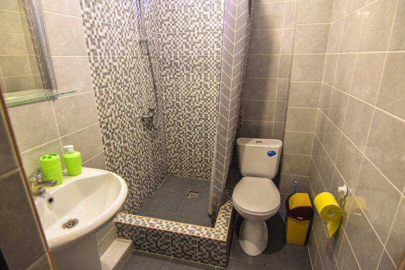 Большой номер с 2 сп. кроватью душ, с/у на этаже, Озёрная улица, 27, Геленджик - Фотография 12
