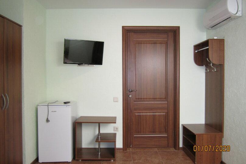 Двух-Трехместная  на 3 этаже, улица Лётчика Авдеева, 7, Геленджик - Фотография 5