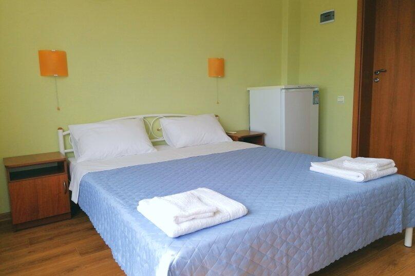 Стандарт с двуспальной кроватью, улица Елисеева, 16А, Оленевка - Фотография 1