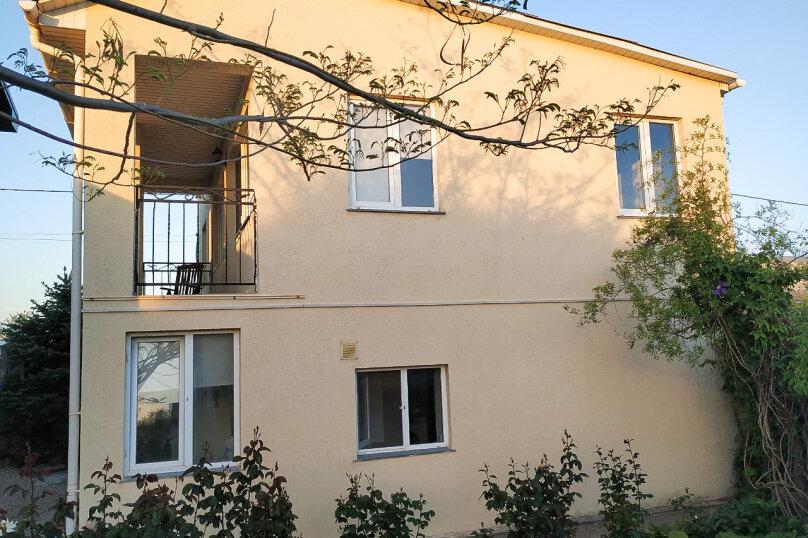 Дом 90 м² на участке 8 сот., 90 кв.м. на 6 человек, 3 спальни, улица Братьев Глинки, 1А, Кача - Фотография 1