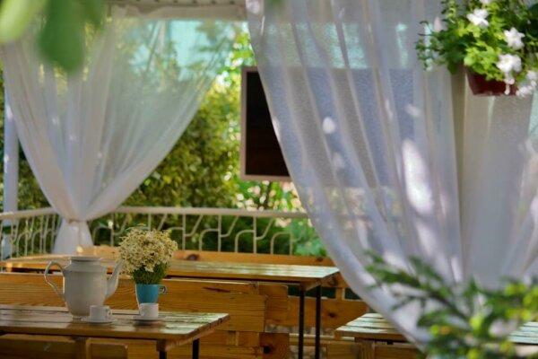 """Гостевой дом """"Чайка"""", улица Лизы Чайкиной, 4 на 10 номеров - Фотография 1"""