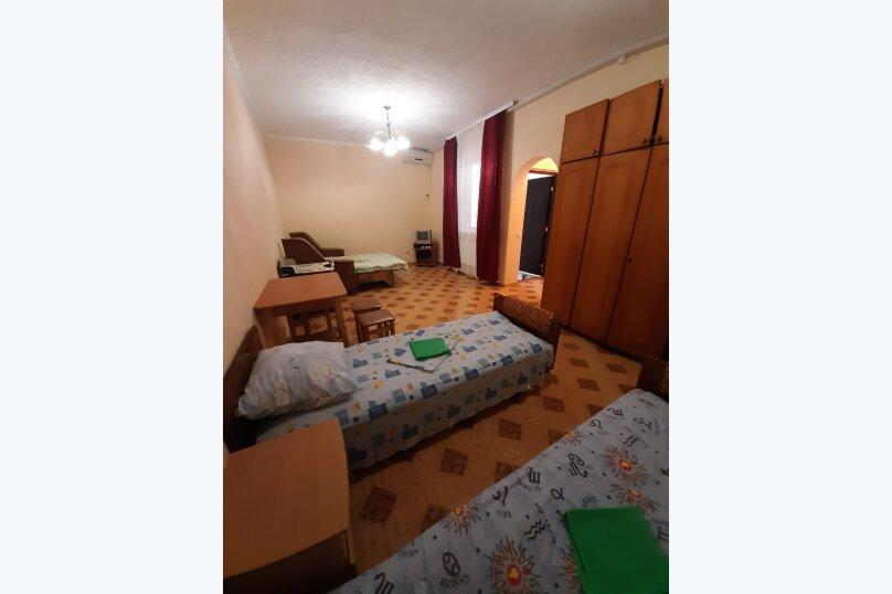 5 -  местный, однокомнатный, 2 этаж., Парниковая, 2, село Приветное - Фотография 2
