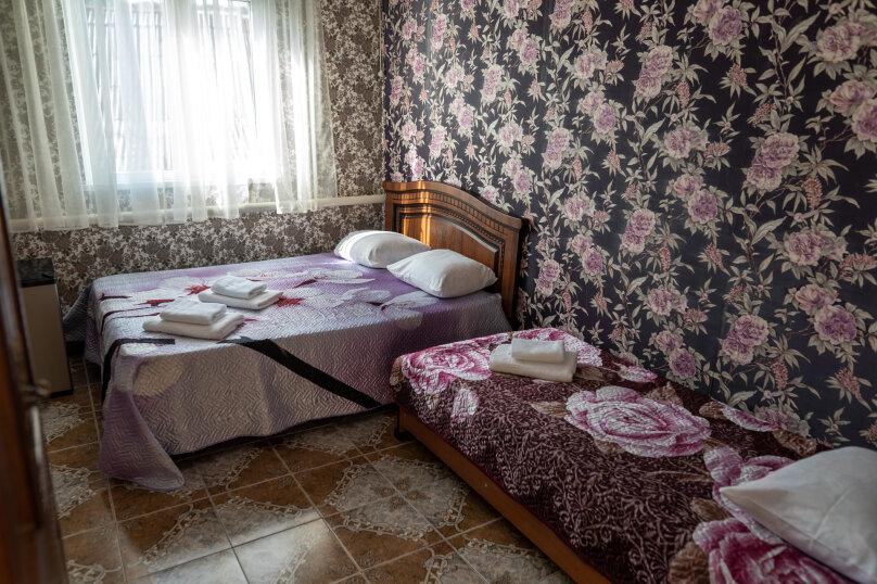 """Гостевой дом """"у Надежды"""", Связная улица, 8 на 15 комнат - Фотография 21"""