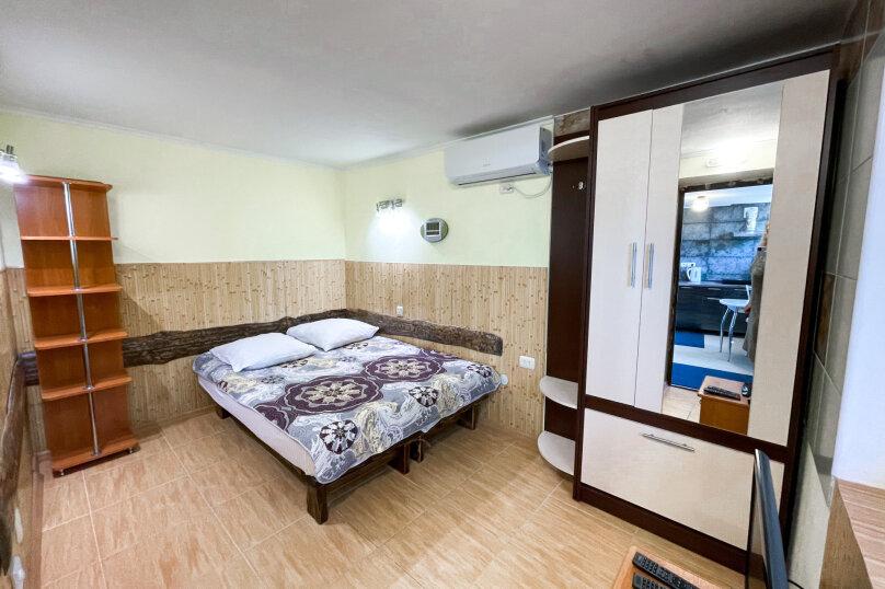 """Гостевой дом """"Крокус"""", Парковый спуск, 32б на 3 комнаты - Фотография 5"""