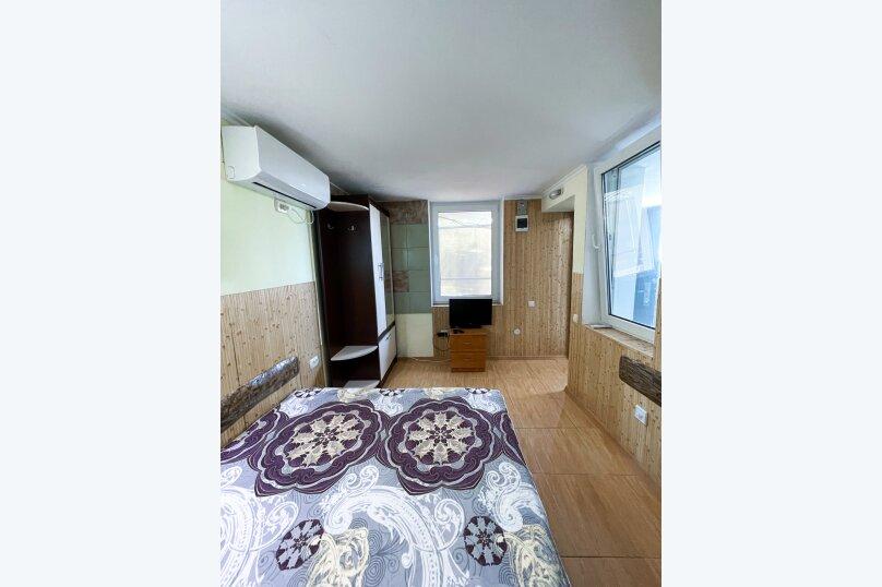 """Гостевой дом """"Крокус"""", Парковый спуск, 32б на 3 комнаты - Фотография 7"""