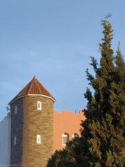 """Номера в частном секторе """"На Стамова, 15"""", улица Стамова, 15к2 на 6 номеров - Фотография 1"""