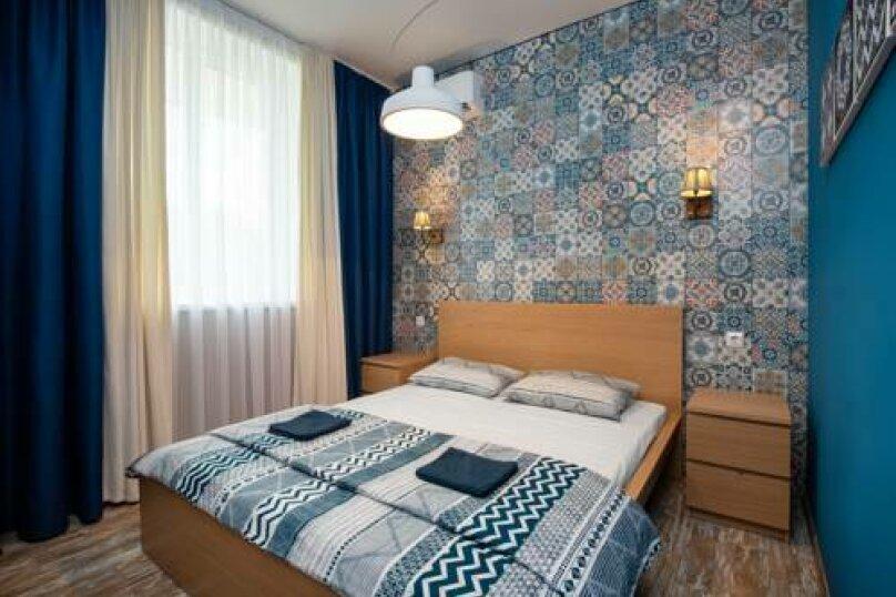 2х местный номер с двуспальной кроватью, микрорайон Широкая Щель (трасса Джубга-Сочи 15 км), 15 км, Новомихайловский - Фотография 1