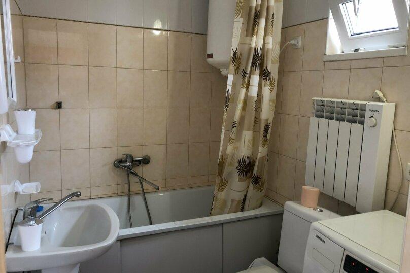 1 комнатная квартира в частном доме с отдельным входом, 40 кв.м. на 3 человека, 1 спальня, Морпортовская улица, 10, Севастополь - Фотография 2