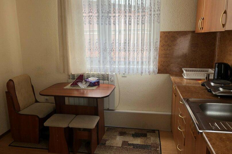 1 комнатная квартира в частном доме с отдельным входом, 40 кв.м. на 3 человека, 1 спальня, Морпортовская улица, 10, Севастополь - Фотография 3