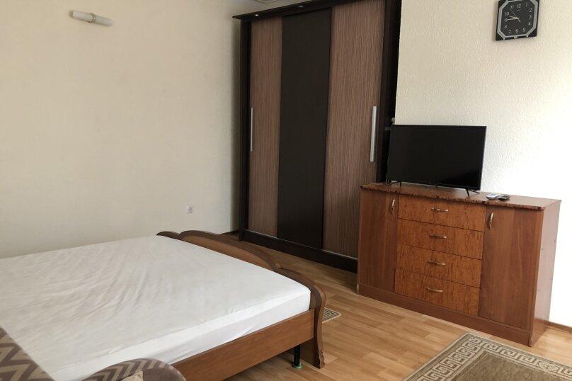 1 комнатная квартира в частном доме с отдельным входом, 40 кв.м. на 3 человека, 1 спальня, Морпортовская улица, 10, Севастополь - Фотография 8
