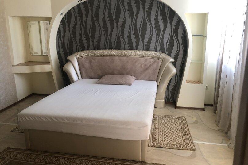 Комфортная 1 комнатная квартира в частном доме с отдельным входом, 40 кв.м. на 3 человека, 1 спальня, Морпортовская улица, 10, Севастополь - Фотография 1
