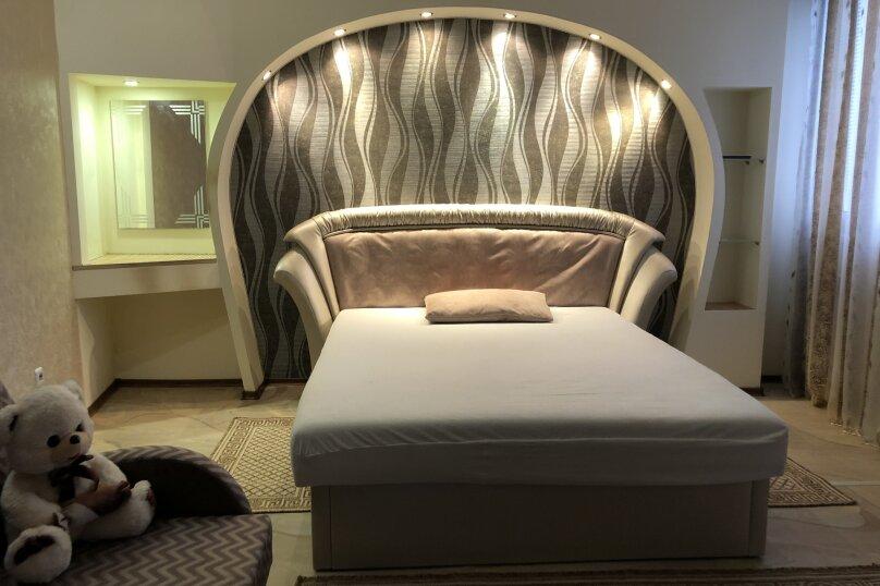 Комфортная 1 комнатная квартира в частном доме с отдельным входом, 40 кв.м. на 3 человека, 1 спальня, Морпортовская улица, 10, Севастополь - Фотография 2