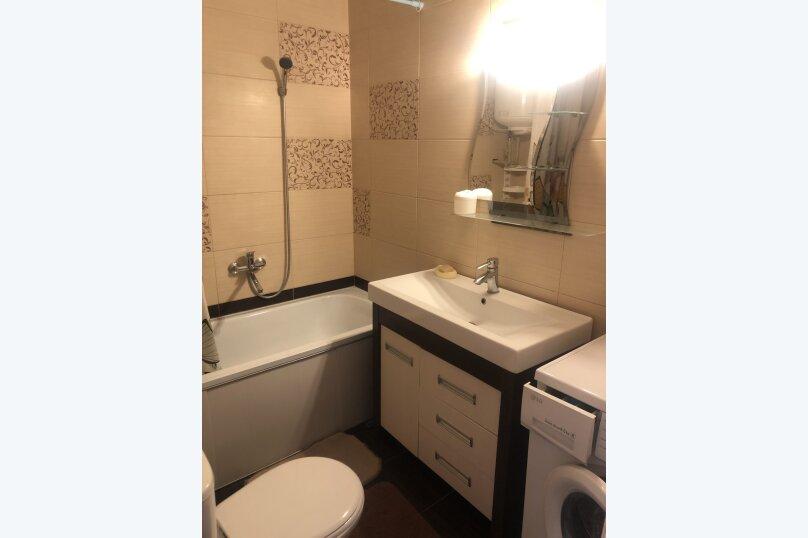 Комфортная 1 комнатная квартира в частном доме с отдельным входом, 40 кв.м. на 3 человека, 1 спальня, Морпортовская улица, 10, Севастополь - Фотография 11