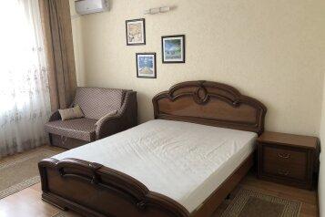 1 комнатная квартира в частном доме с отдельным входом, 40 кв.м. на 3 человека, 1 спальня, Морпортовская улица, 10, Севастополь - Фотография 1