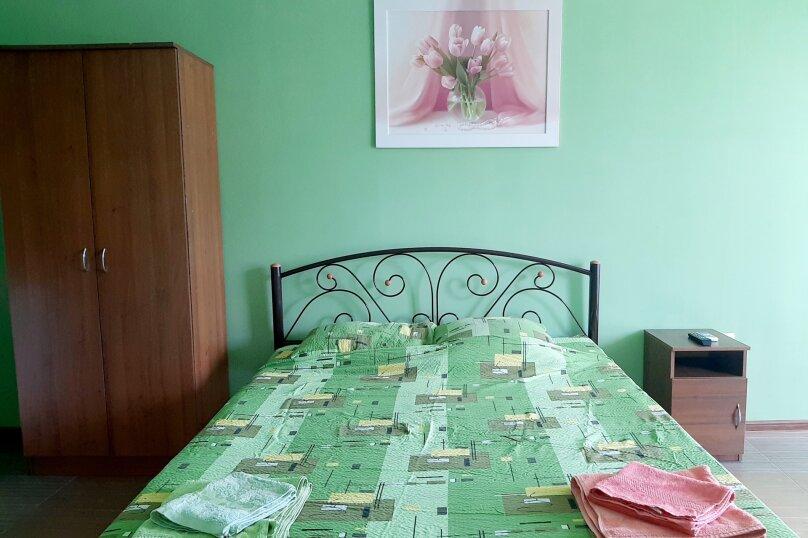 Номер на троих с доп.местом оливка,3 этаж, улица Ленина, 49, Коктебель - Фотография 1