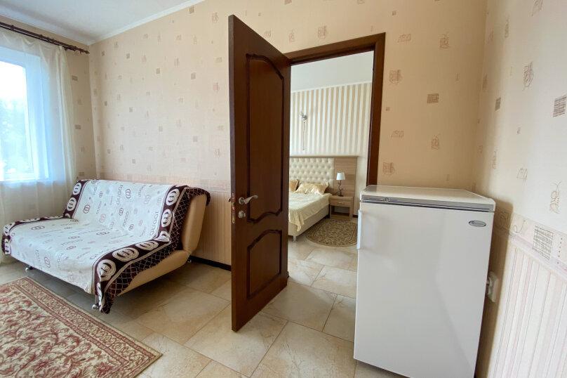 """Гостевой дом """"На Северной"""", Северная, 10 б на 4 комнаты - Фотография 24"""