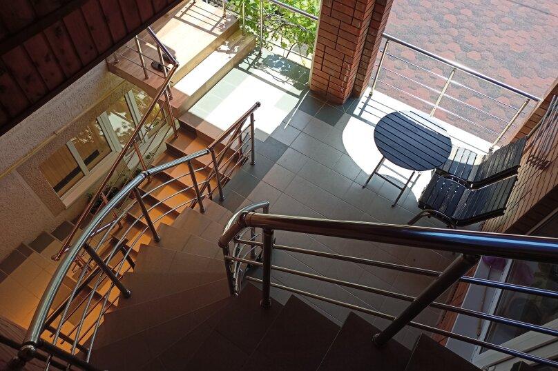 """Гостевой дом """"Солнечный дворик"""", Курганная улица, 50А на 9 комнат - Фотография 3"""