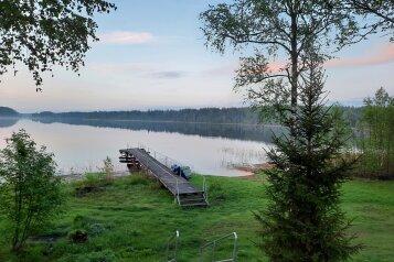 Дом в лесу ( 4 шт.) на берегу озера , деревня Стеклино, 36 на 4 номера - Фотография 1