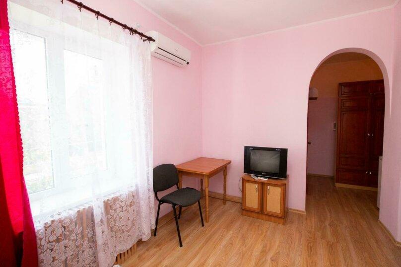 Семейный пятиместный двукомнатный , Черноморская, 48, Береговое, Феодосия - Фотография 1
