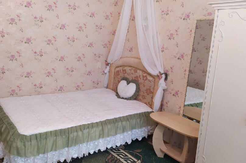 1-комн. квартира, 28 кв.м. на 3 человека, улица Дёмышева, 110, Евпатория - Фотография 1