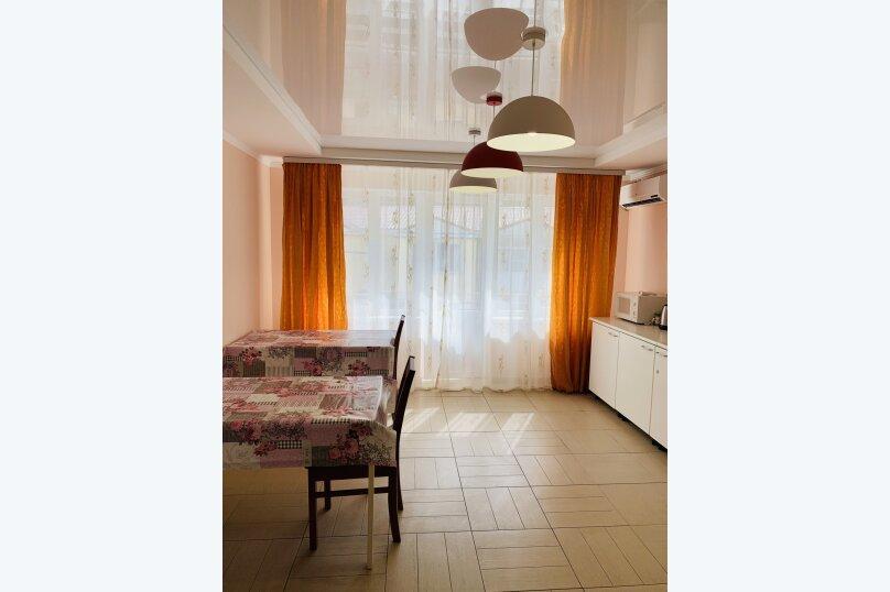 3 -х местный лавандовый номер с балконом и удобствами на этаже, переулок Фонтанный, 11/37, Небуг - Фотография 4