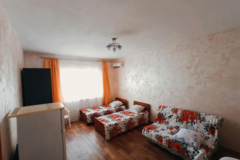 4х местный номер с удобствами 1 этаж, улица Горького, 53, Витязево - Фотография 2