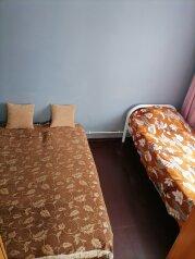 Второй этаж дома с отдельным входом, 20 кв.м. на 3 человека, 1 спальня, улица Советов, 50, Ейск - Фотография 1