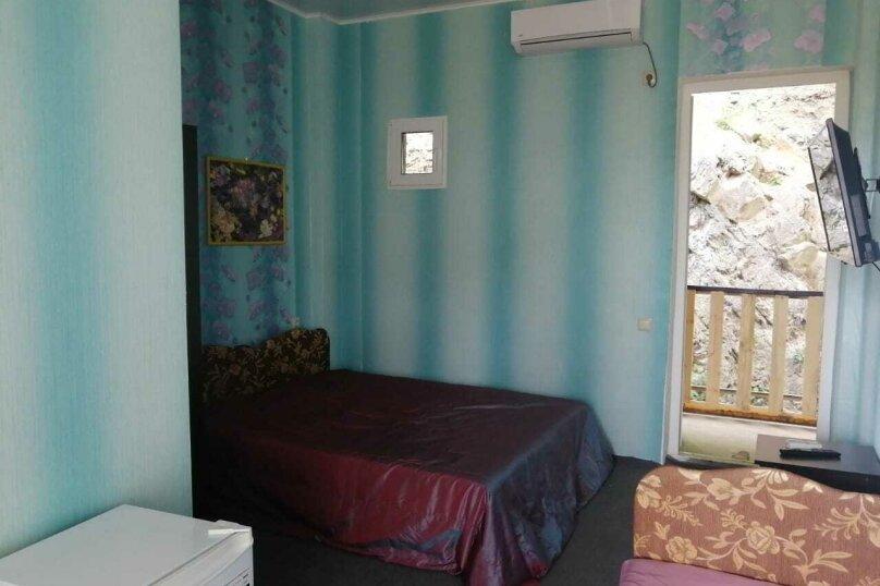 2-й. этаж, 3-я. комната, 3-х. местный., Черноморская, 4а, Ольгинка - Фотография 2