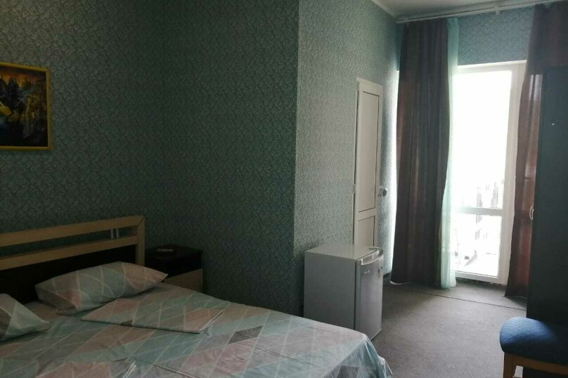2-й. этаж, 4-я. комната, 2-х. местный., Черноморская, 4а, Ольгинка - Фотография 1