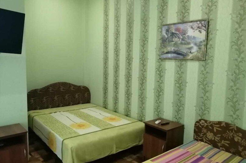 2-й. этаж, 2-я. комната, 4-х. местный., Черноморская, 4а, Ольгинка - Фотография 1