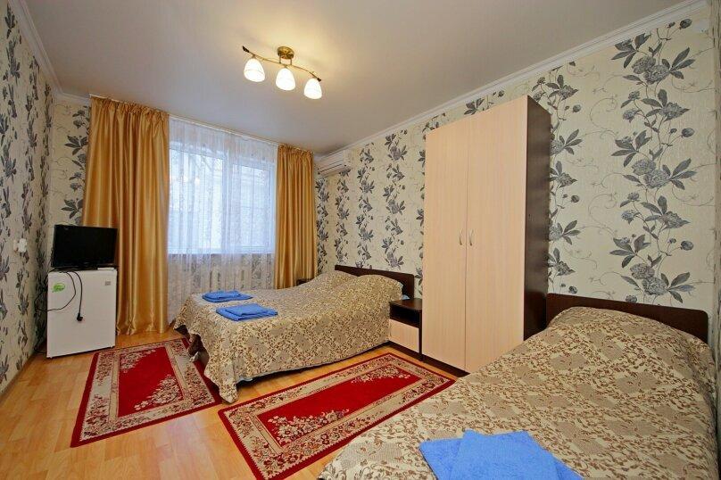 3-х местный номер со всеми удобствами без балкона, улица Гоголя, 188, Анапа - Фотография 1