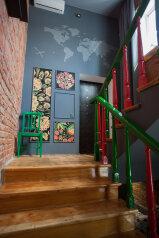 "Art House ""8.am"", улица Будённого, 206 на 9 комнат - Фотография 1"