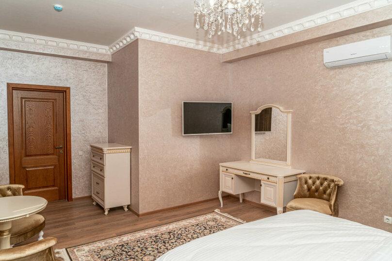 Улучшенный номер с кроватью размера king-size, улица Дмитрия Ульянова, 52А, Евпатория - Фотография 2