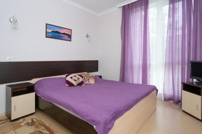 Апартаменты 2-х комнатные, улица Федько, 55, Феодосия - Фотография 1